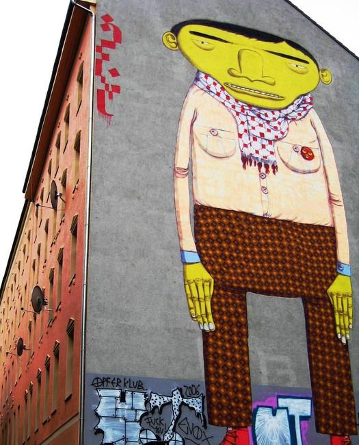 http://www.fatcap.com/graffiti/43538-os-gemeos-berlin.html
