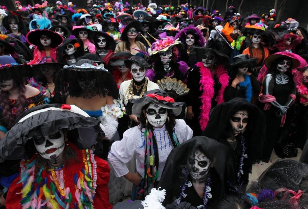 james-bond-spectre-mexico-day-of-dead-crew-1024x696